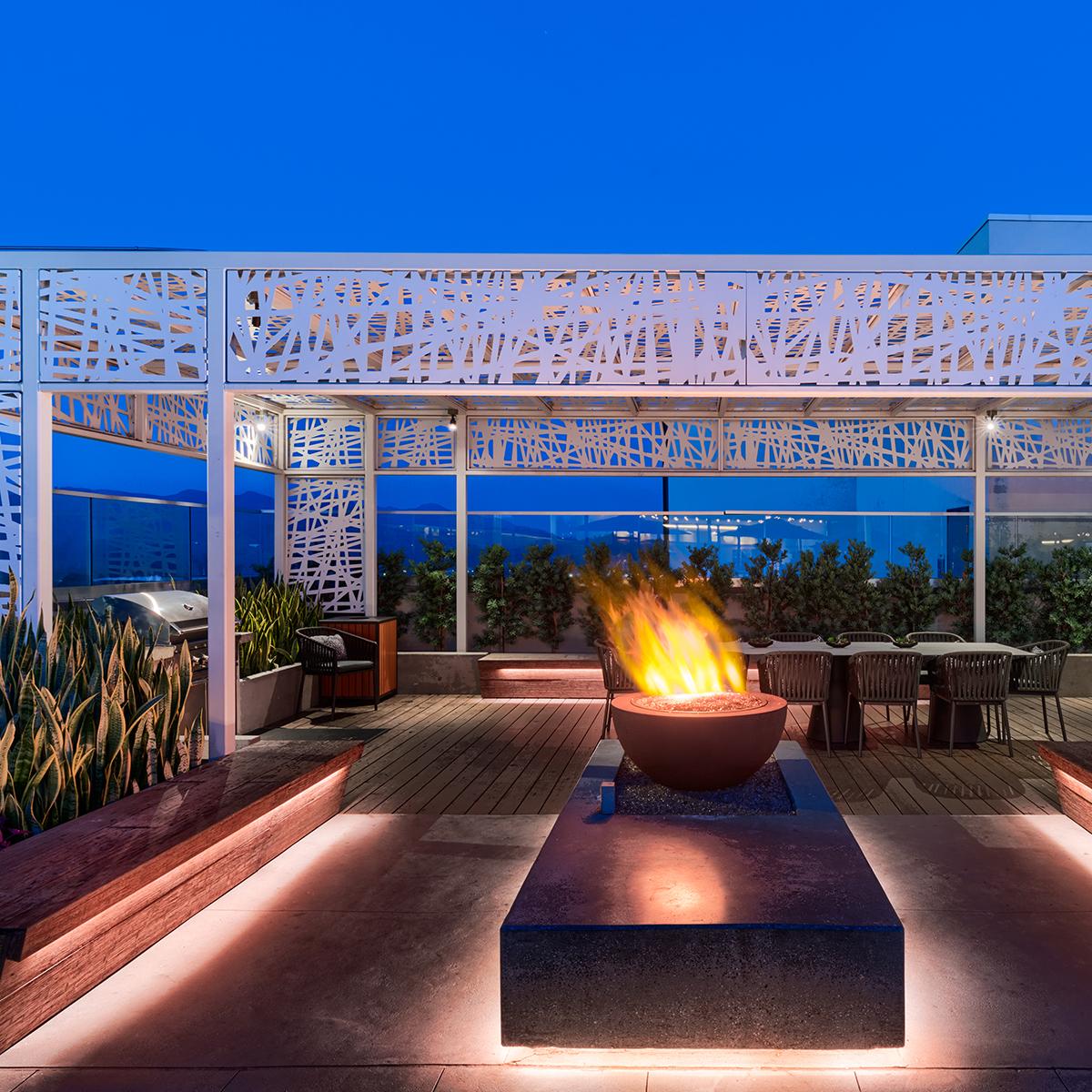 Altana Amenities - Rooftop Lounge