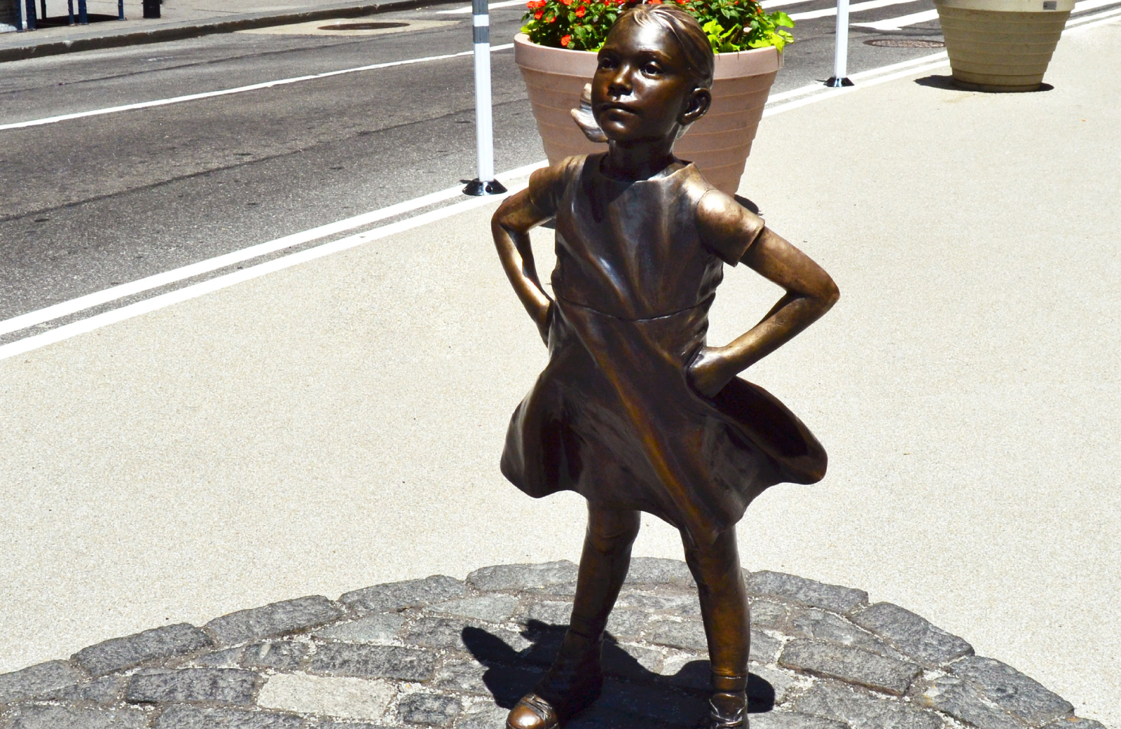 fearless girl bronze sculpture - 15 Cliff financial district apartments