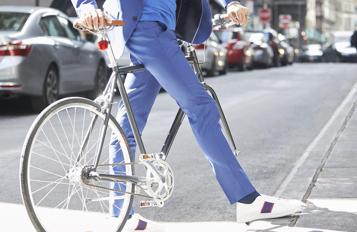 guy biking around town - 19 Dutch