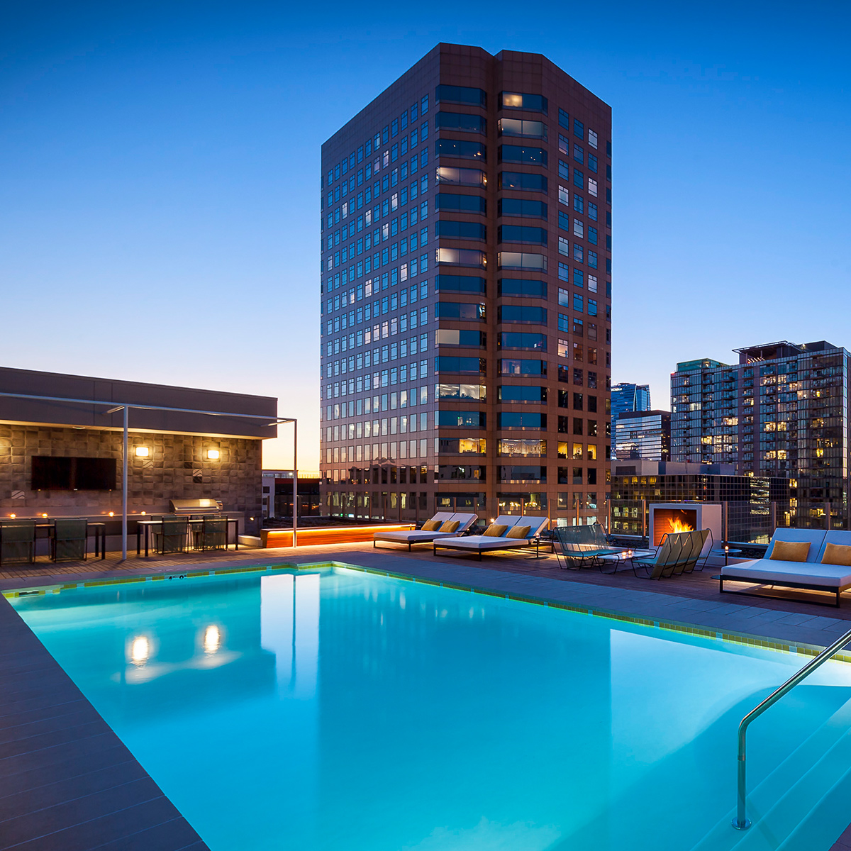Eighth & Grand Poolside Hangouts