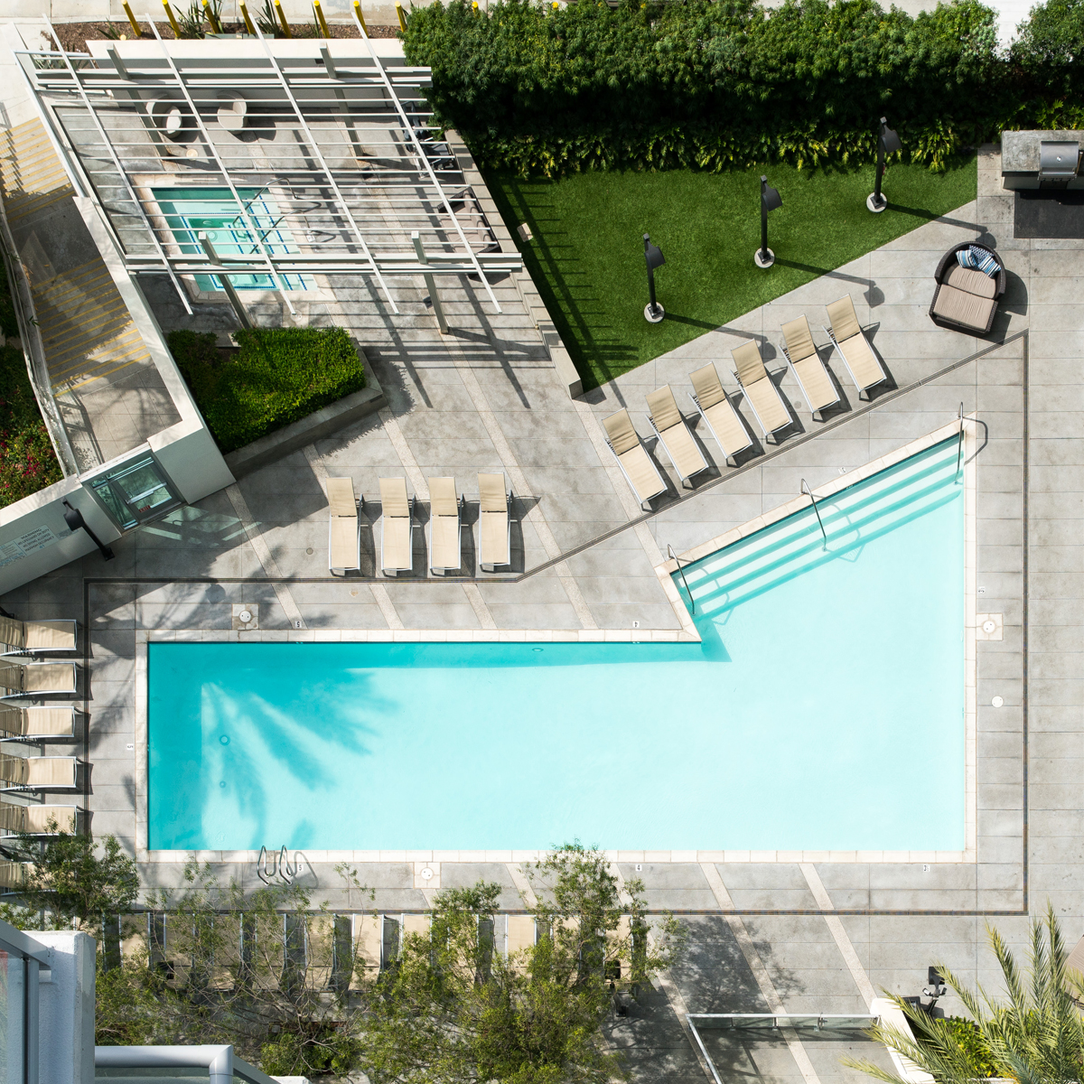 The Vue - Pool