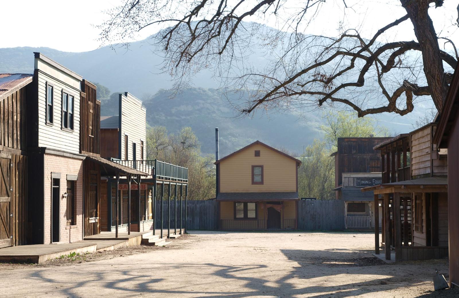 Paramount Ranch - - Alder Apartments Northridge