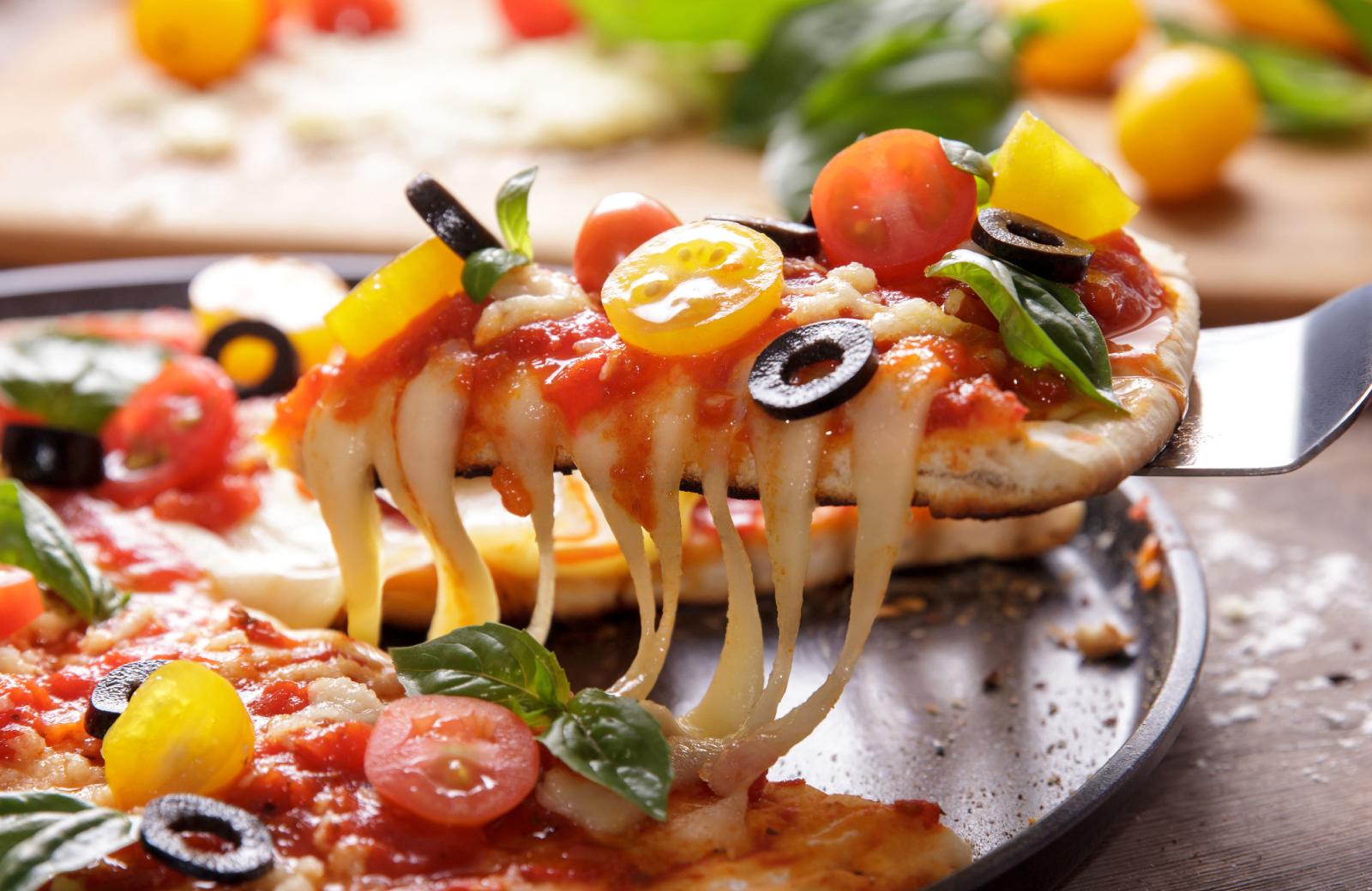 Norwalk Pizza - The Waypointe Apts
