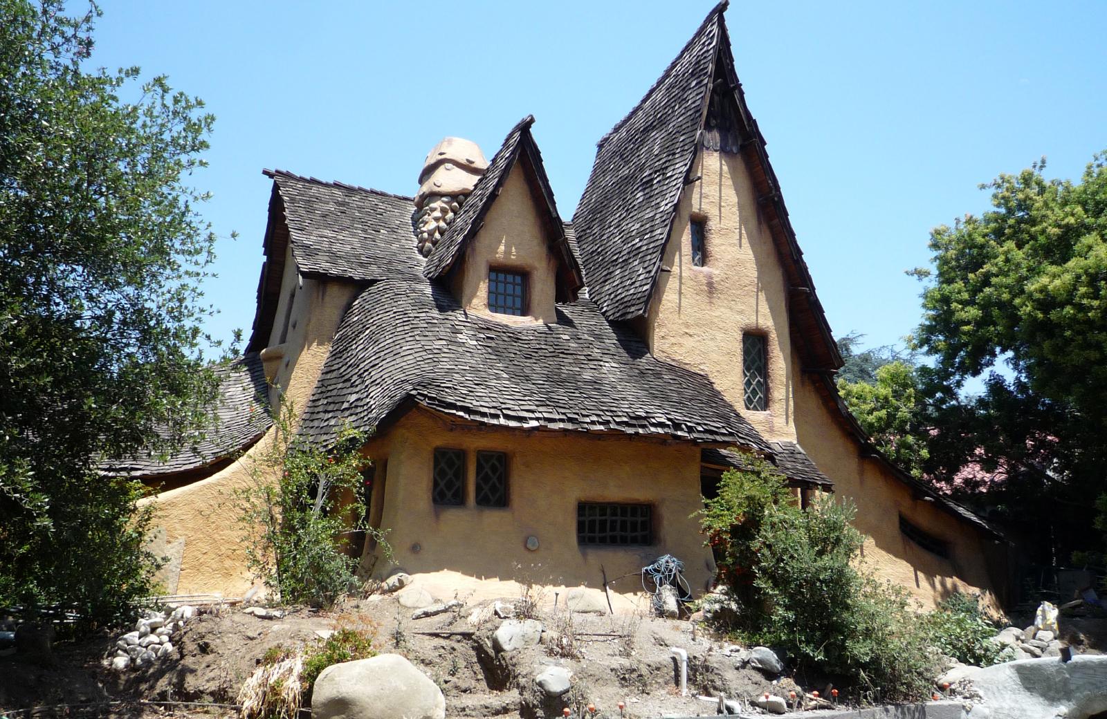 witch's house LA