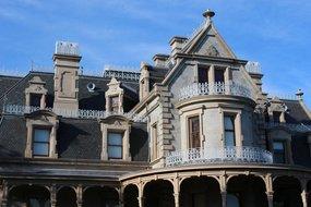 Victorian Mansion - The Waypointe Apts