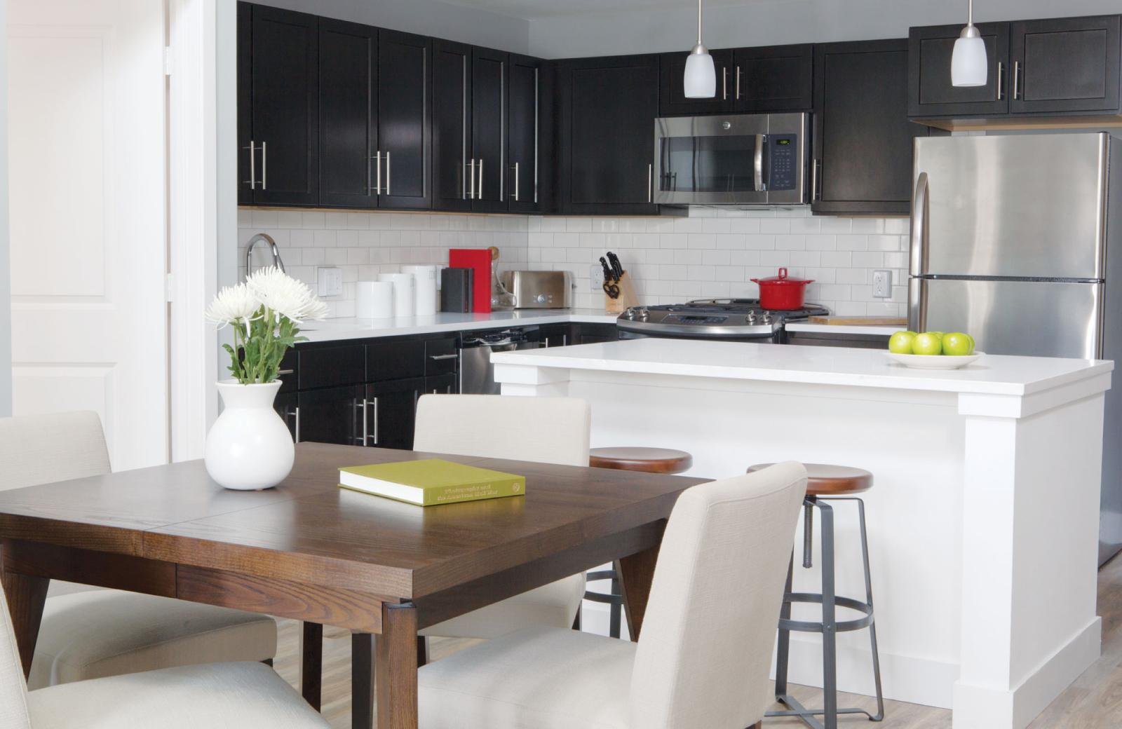 Beautiful kitchen - The Waypointe Apts