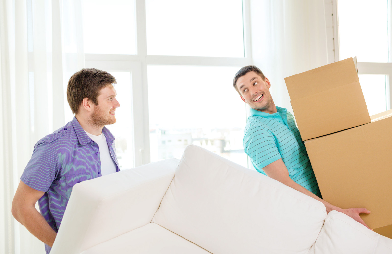 college students moving apartments