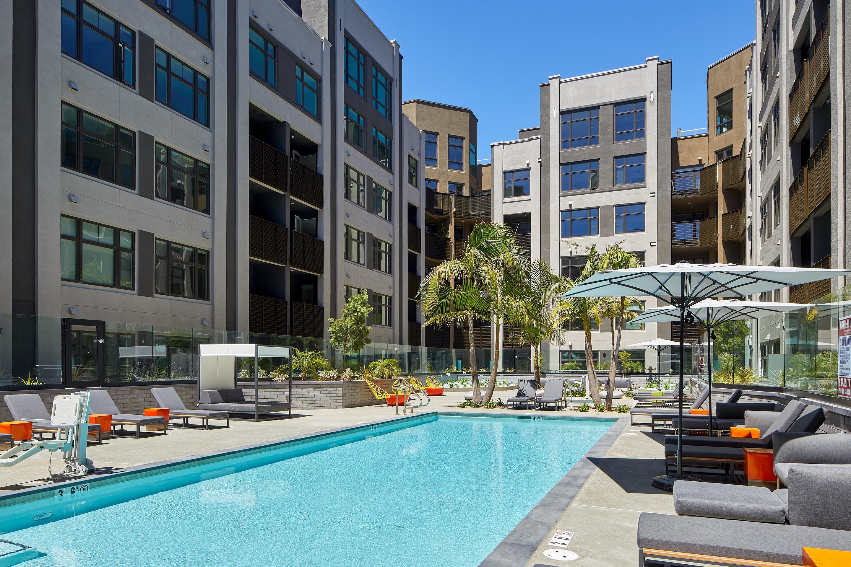 Fourth Street East Luxury Apt Amenities Resort Style Amenities